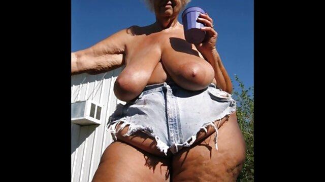 Sexy suegras maduras tetonas belleza esposa folla lascivo marido con un strapon