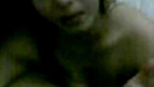 Chico ruso atado a una joven rubia suegras penetradas y violado en anal
