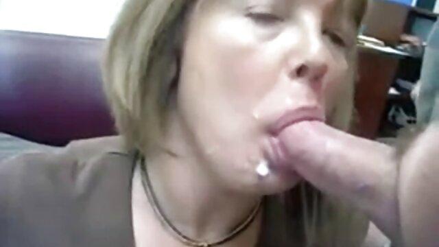 Jefe lindo seduce a secretaria videos follando con mi suegra tetona y folla sobre la mesa