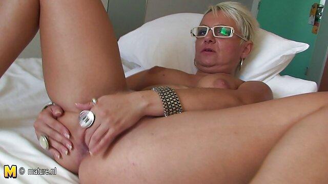 La estudiante pelirroja Dani Jensen con un profesor sexo de suegras con yernos joven