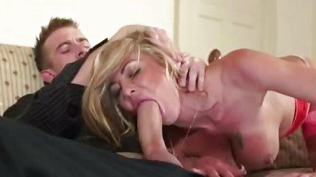 Una preciosa videos cojiendo con mi suegra morena sexy folla anal con un pelirrojo maduro