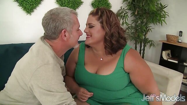 Johnny calvo y sexy se folla a una rubia en el videos follando con mi suegra anal y el coño