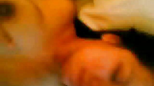 Morena Joseline Kelly yerno tiene sexo con su suegra con piernas gruesas folla en anal